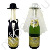 Y Украшение на шампанское Молодожены в шляпках